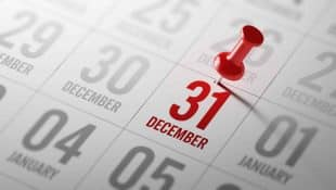 December 31 written on a calendar to remind you an important appointment.